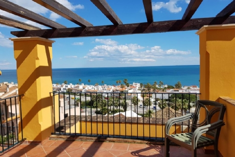 3 Bedroom Apartment For Sale in Manilva, Málaga