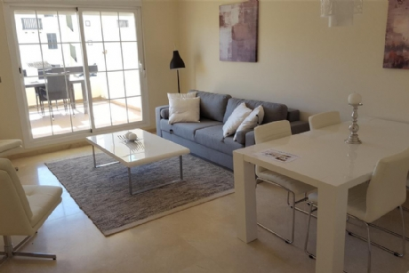 2 Bedroom Apartment For Sale in La Duquesa, Málaga