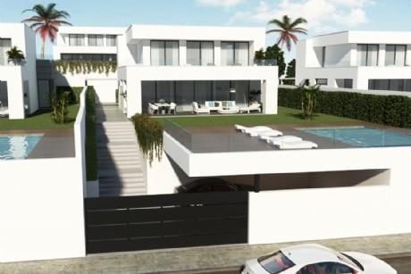 4 Bedroom Villa For In La Duquesa Málaga